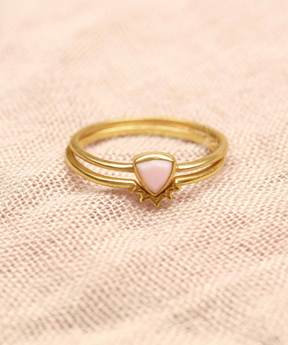h ring size 50 triangle pink opal set of 2 gold plated