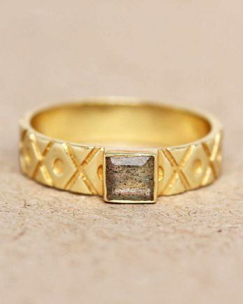 H- ring size 52 labradorite square crosses and dots gold pla
