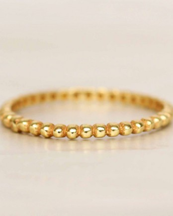 https://mujajuma.com/en/d-ring-size-52-smalls-dots-gold-plated/a9404?c=3490&m=12500