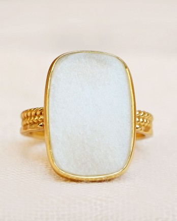 https://www.mujajuma.com/nl/o-ring-size-52-white-moon-fancy-big-rectangle-braided-gol/a13834?c=3499&m=14045