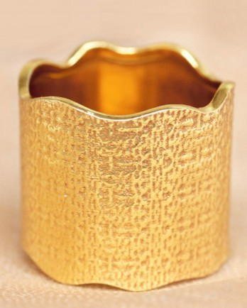https://www.mujajuma.com/nl/o-ring-size-52-big-wave-gold-plated/a7472?c=3490&filter=53&m=14422