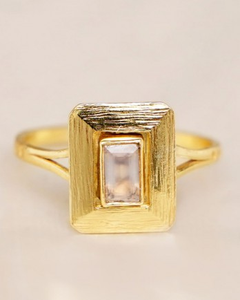 https://www.mujajuma.com/nl/h-ring-size-52-white-mst-big-rectangle-double-band-gold-pl/a13183?c=3490&filter=26,27,28,29,30,53&m=13683#gallery