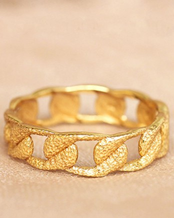 https://www.mujajuma.com/nl/h-ring-size-52-garland-gold-plated/a8986?c=3490&filter=26,27,28,29,30,53&m=14420