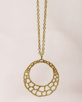 https://www.mujajuma.com/nl/l-collier-60cm-beehive-gold-plated/a13272?c=3492&m=13385