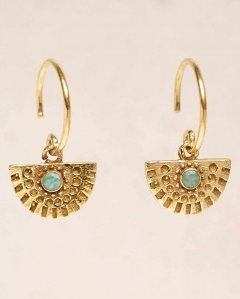 https://www.mujajuma.com/nl/g-earring-hanging-amazonite-half-cirkel-gold-plated/a11129?m=13031&filter=54,49